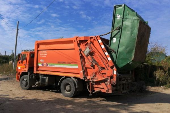 Регоператор вывозит на утилизацию мусор со всех СНТ, независимо от факта подачи заявки, и начисляет плату за обращение с ТКО