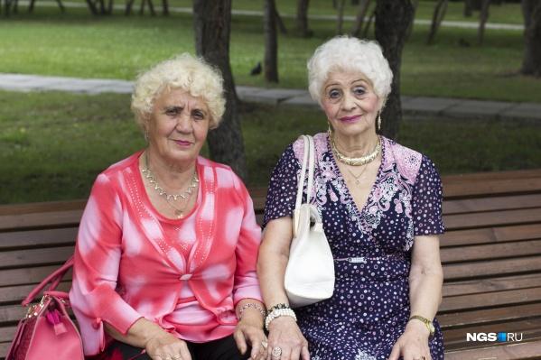 Раньше было много анекдотов про вездесущих бабушек-соседок, от которых ничего не утаишь. А какие они сейчас, эти соседи?