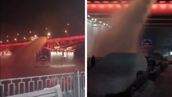За сброс снега в Енисей и на машины с Николаевского моста пообещали оштрафовать подрядчиков