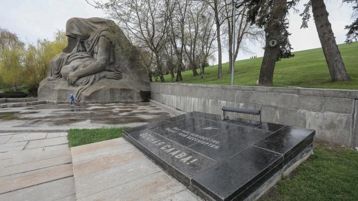 Дочери пресс-секретаря президента России не дадут вскрыть могилу Неизвестного солдата на Мамаевом кургане