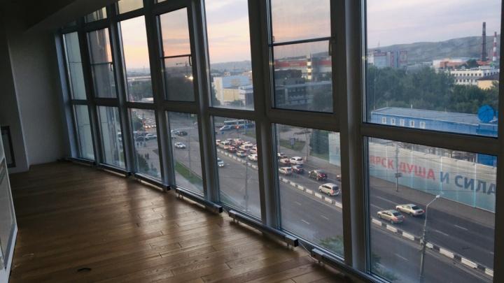 Дизайнерский ремонт и подъезд с цветами: топ-4 самых дорогих квартир в районе Свободного