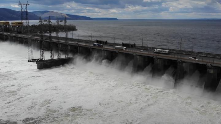 Жигулевская ГЭС вновь увеличила объемы сброса воды
