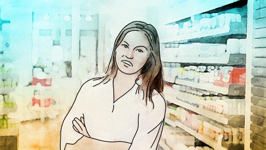 «Что меня бесит»: фармацевт — о самых «долбанутых» покупателях, хитрых планах продаж и обеде за кассой