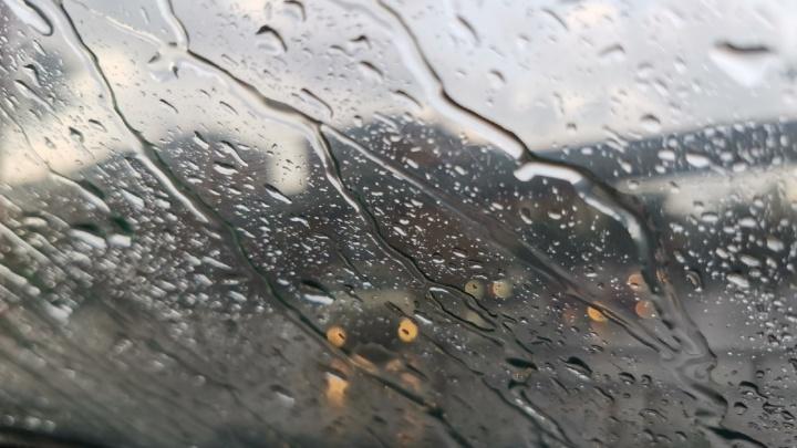 В мэрии Кемерово рассказали о последствиях ливня. Без света остались почти 150 улиц частного сектора