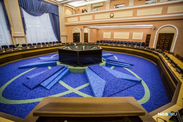 Обращение подписали 9 из 10 женщин-депутатов горсовета, одна из них была не на связи