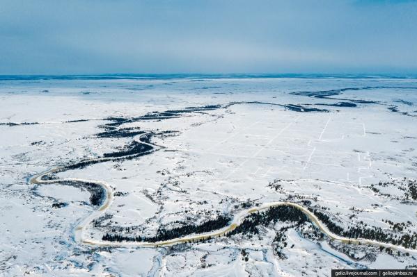 Ванейвисское месторождение располагается в 47 километрах от Нарьян-Мара — единственного городаНенецкого автономного округа