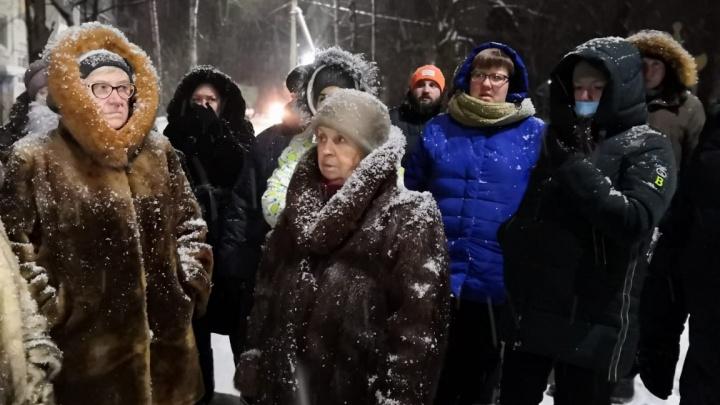 «Слезы на глазах, когда иду домой»: в ярославской многоэтажке после капитального ремонта пропало тепло