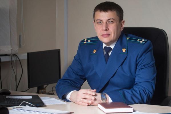 Роман Прасков состоит в браке и воспитывает двоих детей