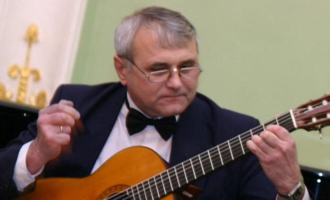 В Омске прощаются с гитаристом-виртуозом Виктором Мельниченко