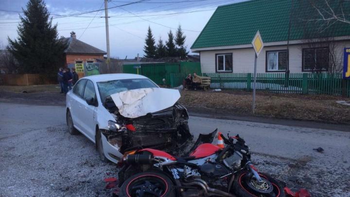 Скончался 54-летний мотоциклист, сбитый иномаркой вТюменском районе
