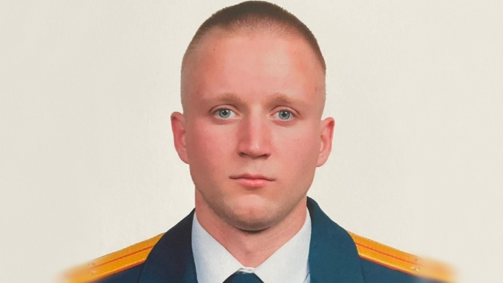 Погибшим при пожаре в Горячем Ключе стал 25-летний старший лейтенант — он упал с автолестницы