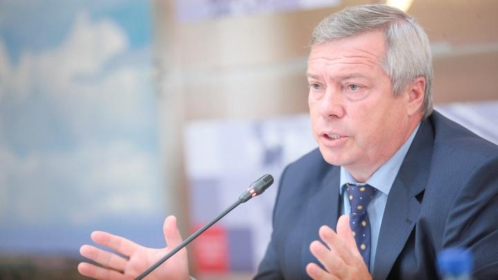 Губернатор на хайпе. Что не так с пиаром Василия Голубева