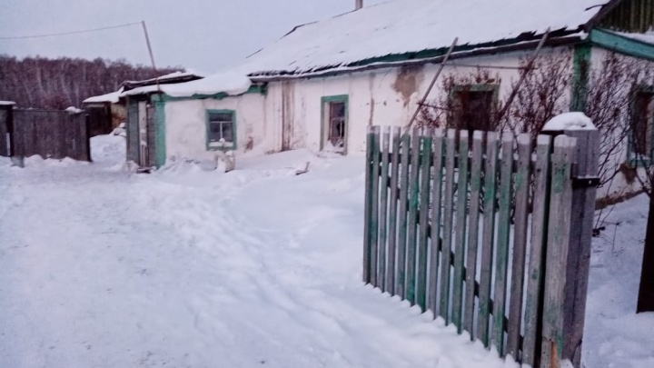 Многодетной семье из Новосибирской области, пострадавшей в пожаре, выделили квартиру