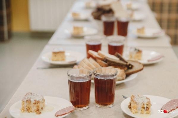 На столах учеников будут полезные и вкусные обеды (никакой больше колбасы)