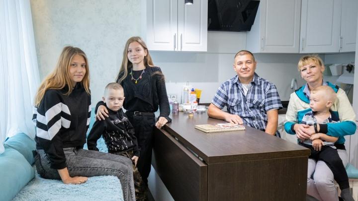 19 лет в очереди: Алтушкин купил квартиру семье ветерана чеченской кампании
