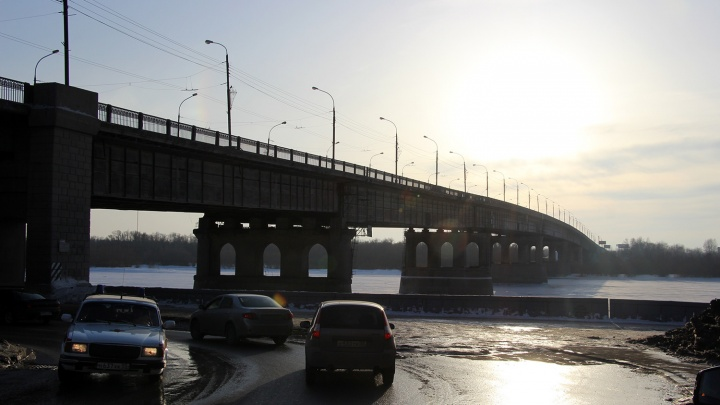 На проект капремонта Ленинградского моста выделили 32миллиона рублей. К работе привлекут водолазов