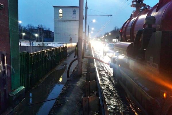 Власти заверили, что откачали лужу на Московском проспекте