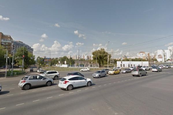 Движение будет закрыто до пересечения с Ново-Садовой