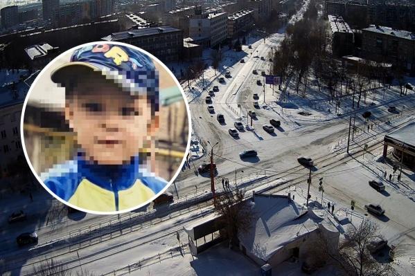 Ребенка, гуляющего без присмотра, видели на шоссе Металлургов — за несколько дворов от его дома