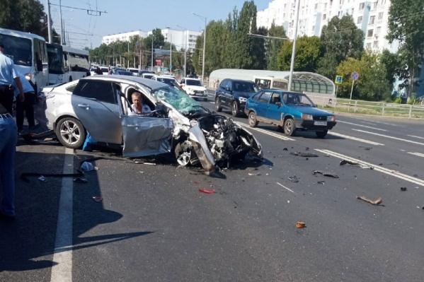 Несмотря на повреждения кузова, погибших удалось избежать