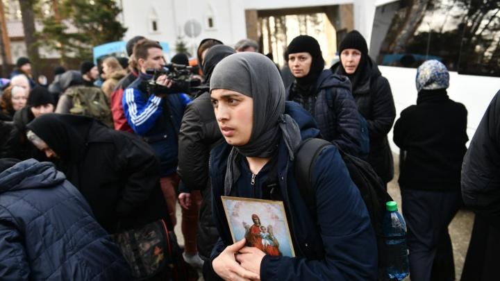 История пропавшей цыганки: родные рассказали, откуда в монастыре экс-схимонаха Сергия появлялись «одержимые бесами»