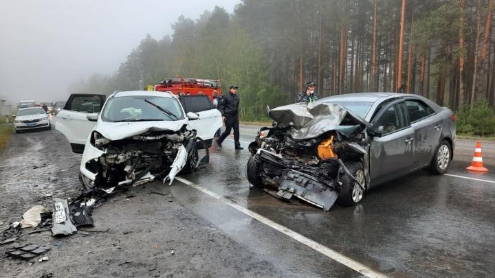 За неделю до своего юбилея на тюменской трассе погиб водитель иномарки