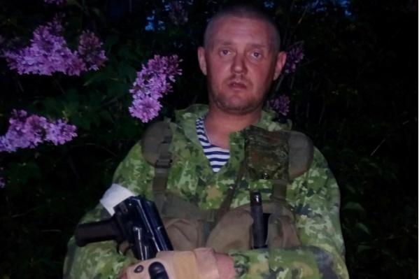 Владимир Агеев принимал участие в боевых действиях под Луганском, а затем перебрался к Мариуполю