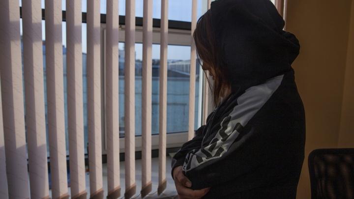 «Мама на коленях умоляла меня прекратить, но мне было плевать»: исповедь бывшей наркоманки