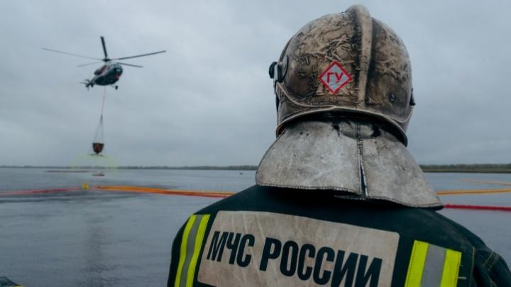Нефтяные катастрофы в Арктике: как спасатели готовятся к таким ЧС и в чем главные риски для природы