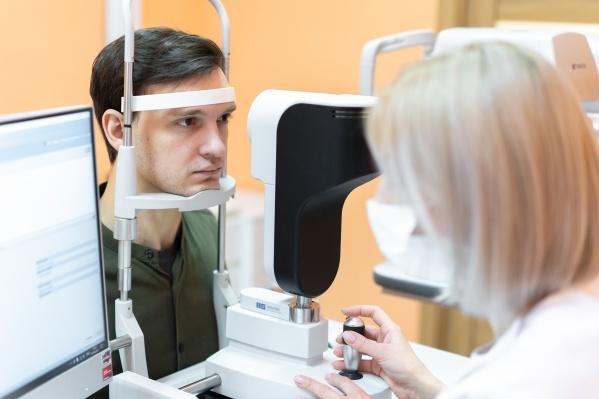 """Врачи могут спрогнозировать, на какое зрение по окончании операции может рассчитывать пациент. В большинстве случаев можно получить <nobr class=""""_"""">100% зрение</nobr>"""