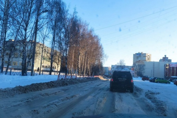 Жалобы на плохую уборку продолжают сыпаться из всех районов Ярославля