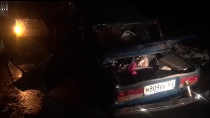 В Башкирии отец с дочерью погибли в ДТП