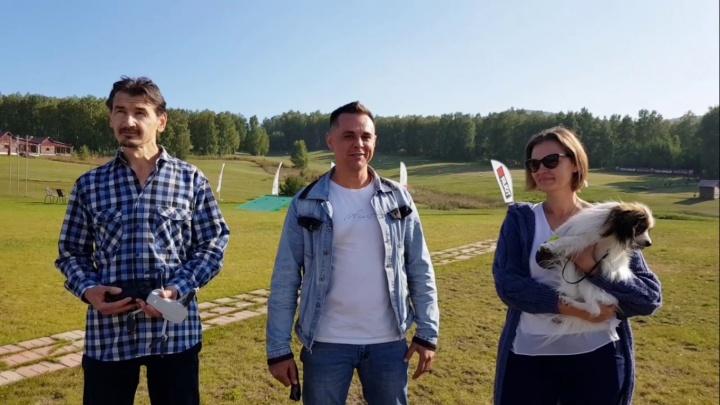 Зарплата до 50 тысяч: гольф-клуб принял на работу двух отпугивателей ворон с дроном и собакой
