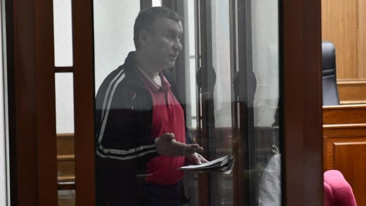 «Связал руки и нанес 140 ударов топором»: в Екатеринбурге назвали срок убийце известного адвоката