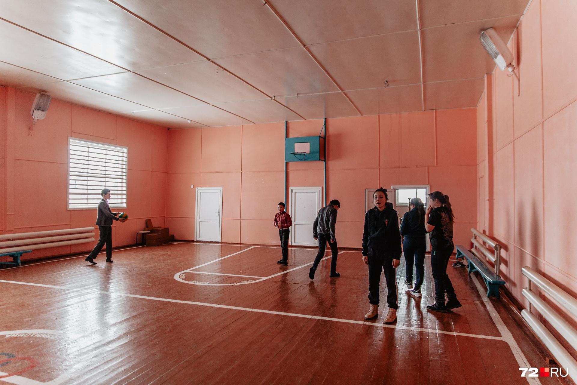 Мы пришли в тот момент, когда ученики были в спортзале