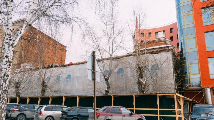 Дом, где обедал Колчак: история здания бывшего кинотеатра «Пионер»