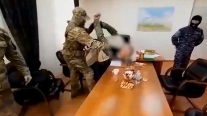 Деньги за молчание: кем оказались обвиняемые в вымогательстве 25 млн рублей у нефтяников НАО