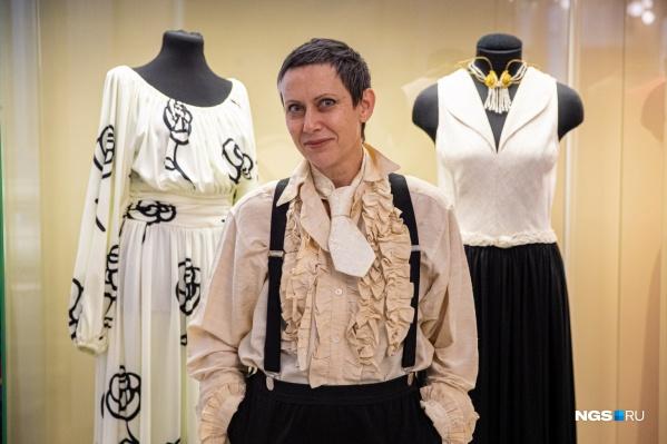 Бижутерный стилист Наталья Костина в быту часто носит вещи из своей коллекции