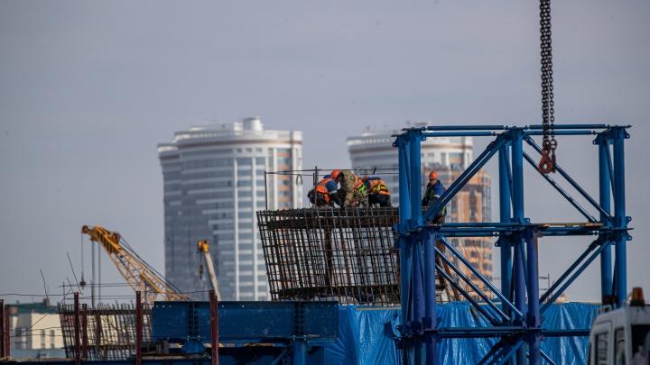 Строитель четвертого моста назвал сроки снятия ограничений на площади Труда