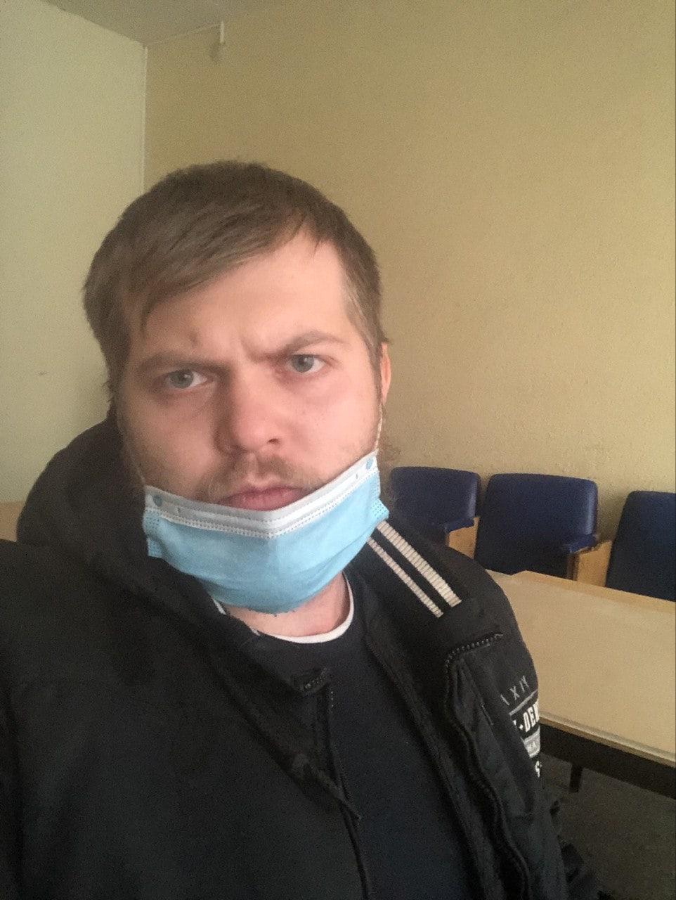 В участкеАртём Яумбаев успел сделать селфи