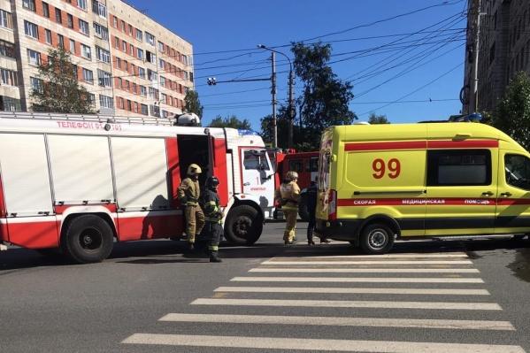 Информация о ДТП появилась в экстренных службах в 15:15