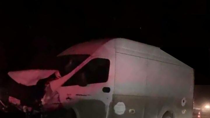 Под Тюменью произошло ДТП с четырьмя автомобилями: пострадали двое детей