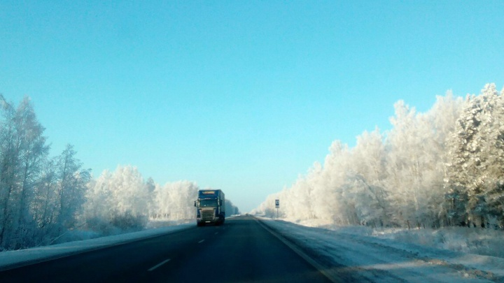 Казахстан закрыл дороги в Омскую область из-за непогоды