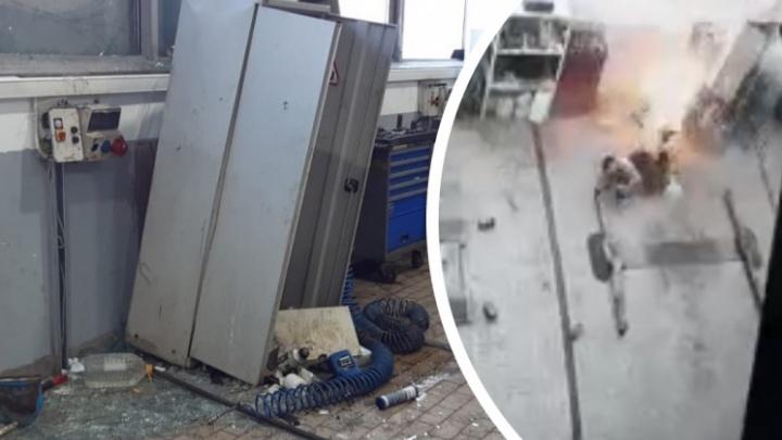 В Екатеринбурге скончался механик, пострадавший при взрыве в автосалоне Hyundai