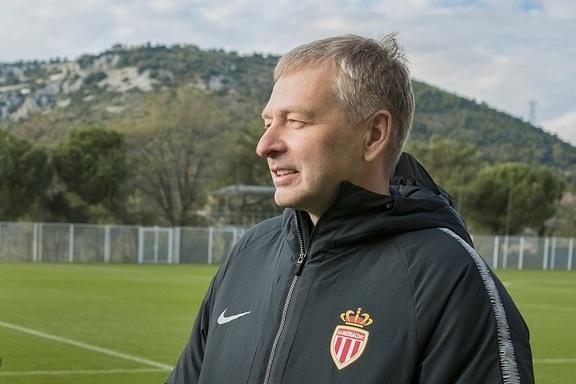 Сейчас бизнесмен возглавляет футбольный клуб «Монако»