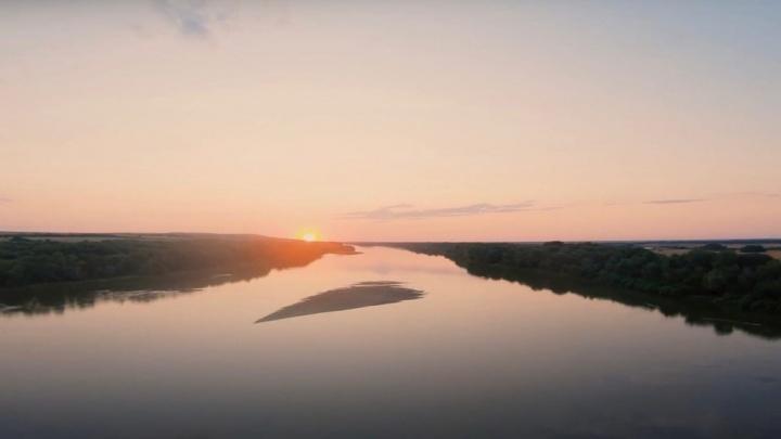 Это какой-то антистресс: петербуржец показал с воздуха закат на Дону под Волгоградом
