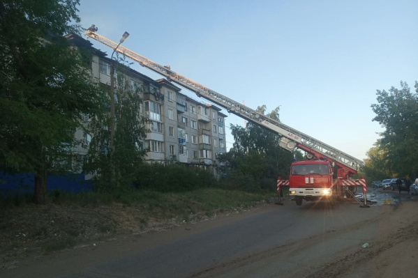 Пожар начался около 19 часов