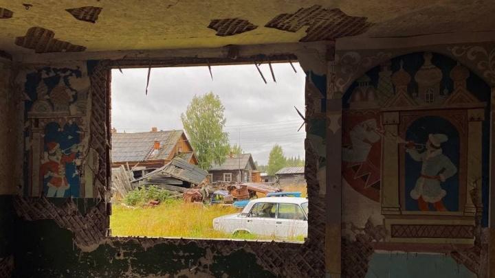 Козы на руинах школы и краски ломаного автопрома: меланхоличный фоторепортаж из тихого уголка Пинежья