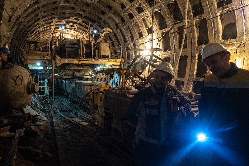 2023 год поезда проследуют без остановки. Открытие новых станций метро в Петербурге снова перенесли