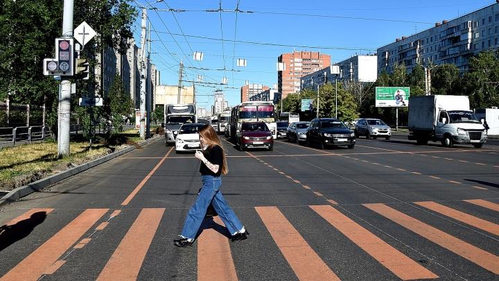 Косо, спорно, без проекта: подводим промежуточные итоги ремонта Комсомольского проспекта